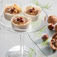 מיני טארט קוקוס במילוי ממרח נוגט אגוזים השחר העולה