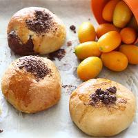 לחמניות רכות ממולאות בממרח השחר תפוז