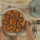 עוגת  שמרים בצורת שמש עם מילוי ממרח השחר